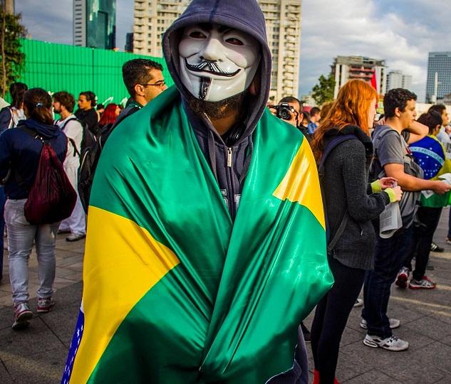 Foto de protestos políticos via whatsapp em Florianópolis