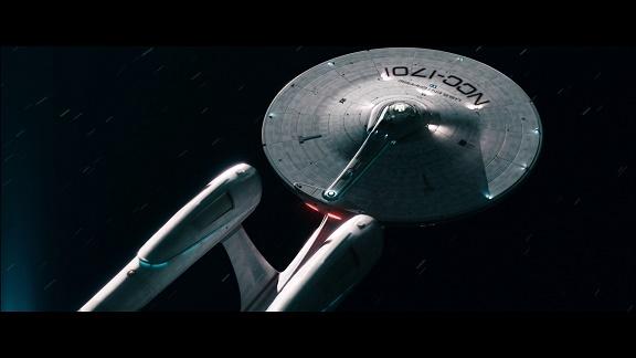 Resenha: ALÉM DA ESCURIDÃO – STAR TREK (Blu-ray 2D+3D)